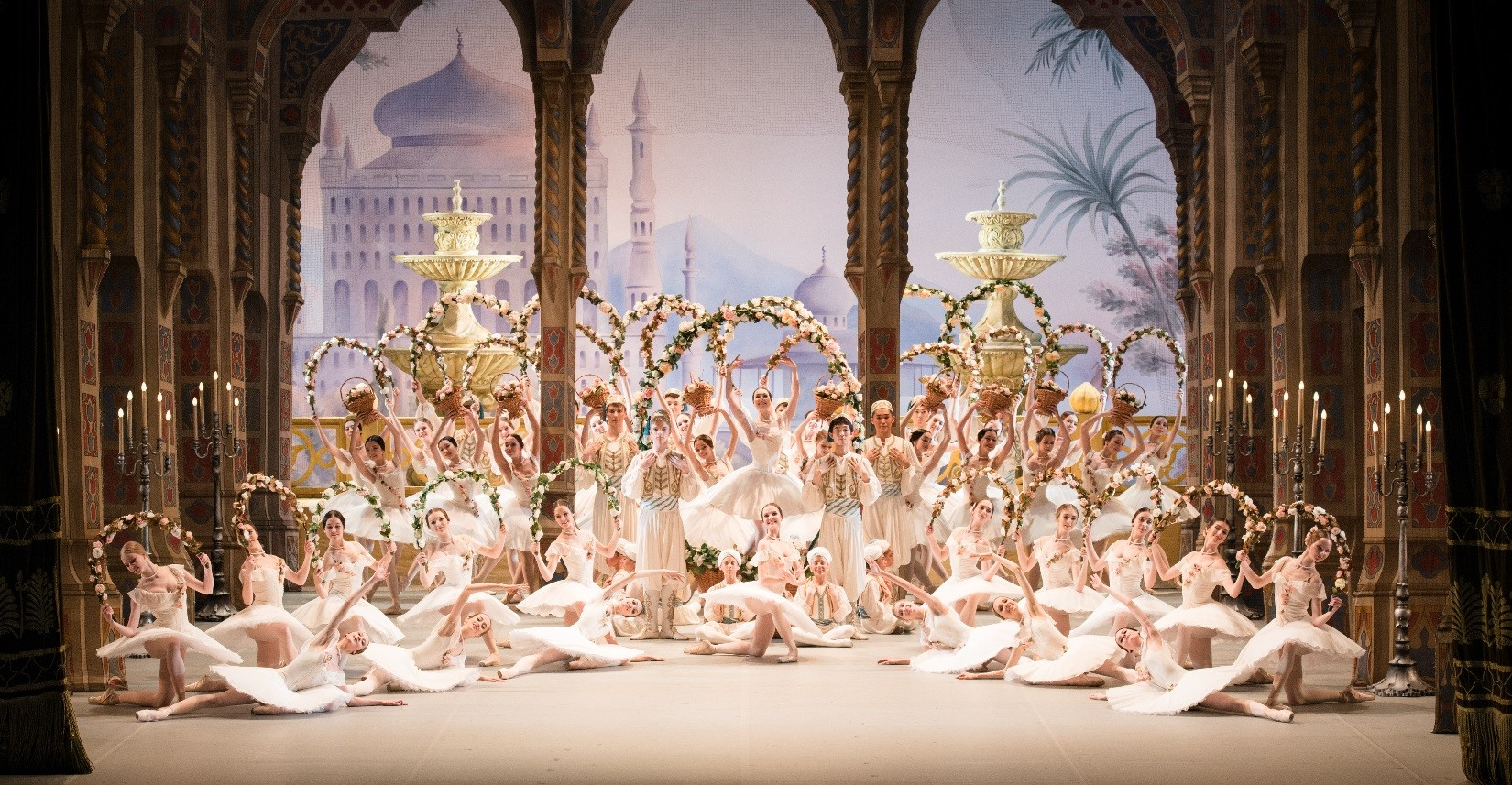 More performances on the bolshoi theatre stage tala for Jardin anime